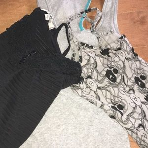 Tops - 3 Tank tops razor back /  Monster / Buttons lace
